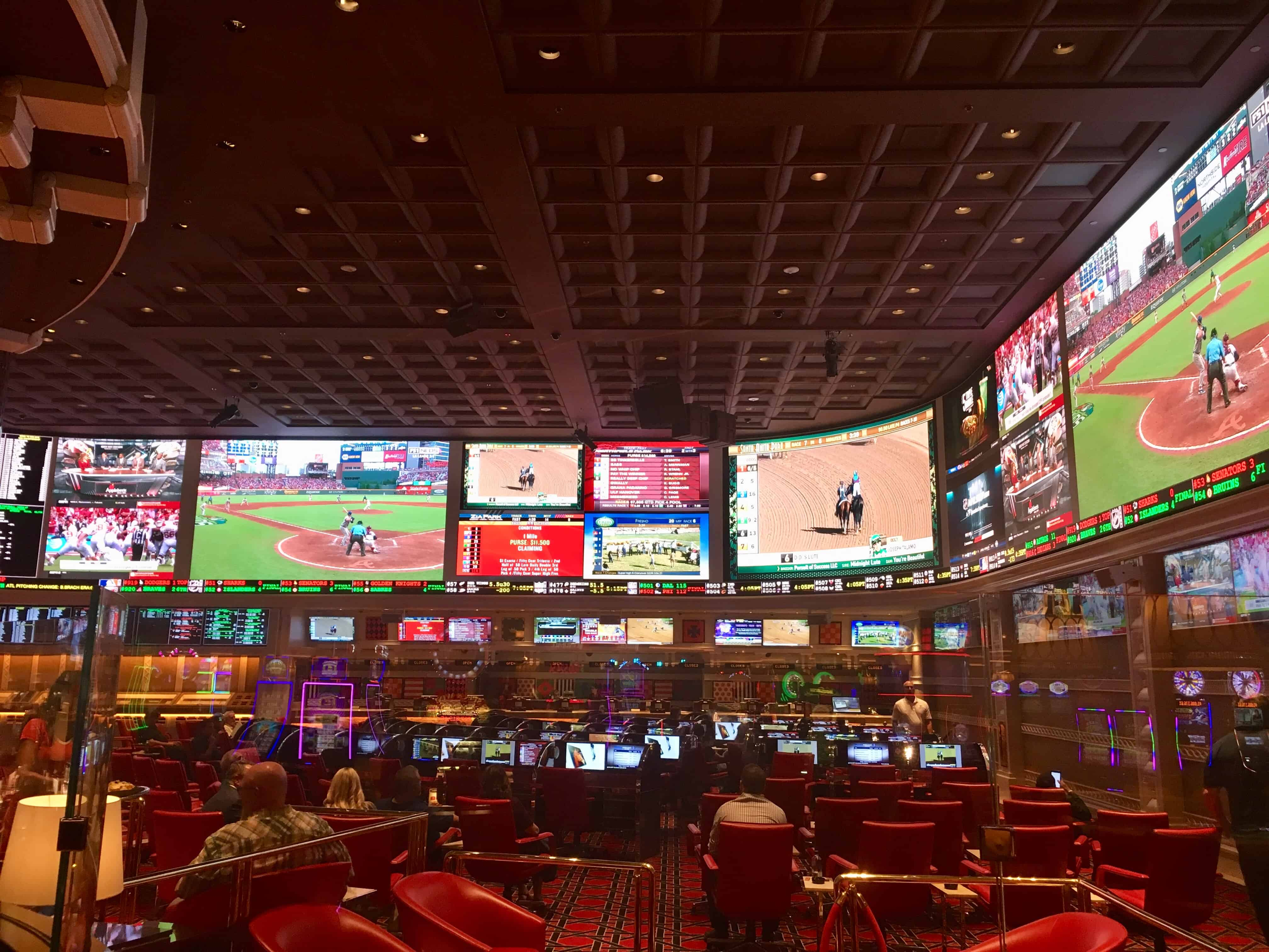 Tips for Earning Free Drink Tickets at Vegas Sportsbooks