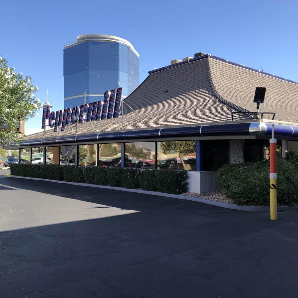 Peppermill Las Vegas Exterior