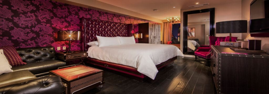Deluxe King Room at Cromwell