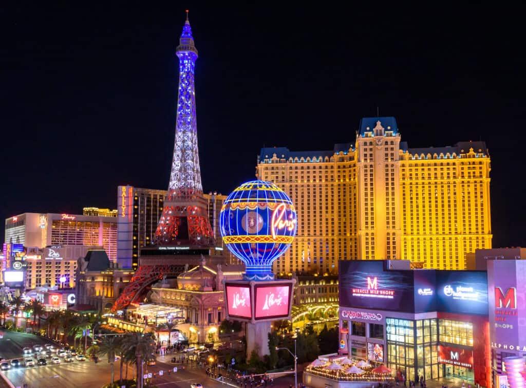 Paris Las Vegas and Eiffel Tower LIght Show