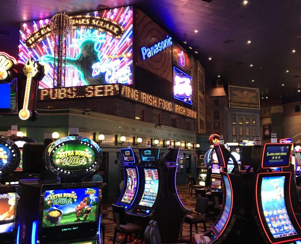 Times Square Bar at New York New York Las Vegas