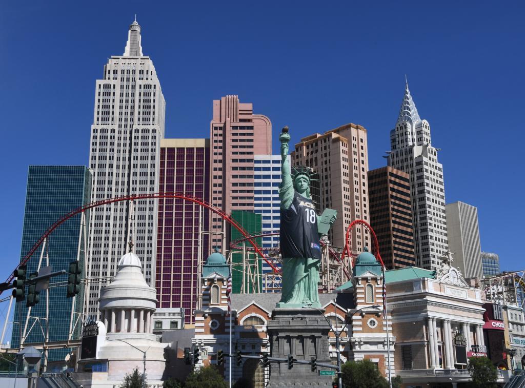 New York New York Las Vegas Exterior