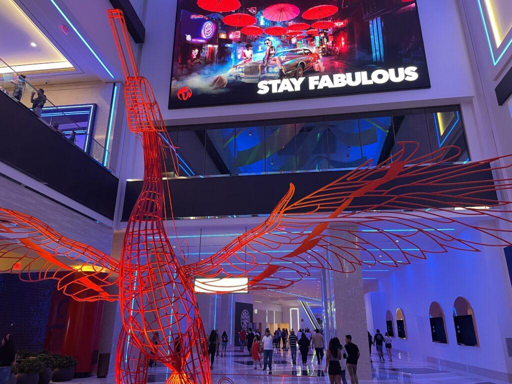 Wire bird sculpture